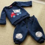 Il CIF regala un completino a tre neonati del paese