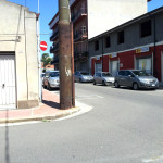 Il palo all'incrocio tra via Mazzini e viale Rinascita