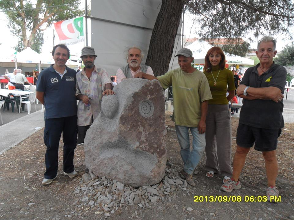 Politica, musica e scultura alla vecchia stazione