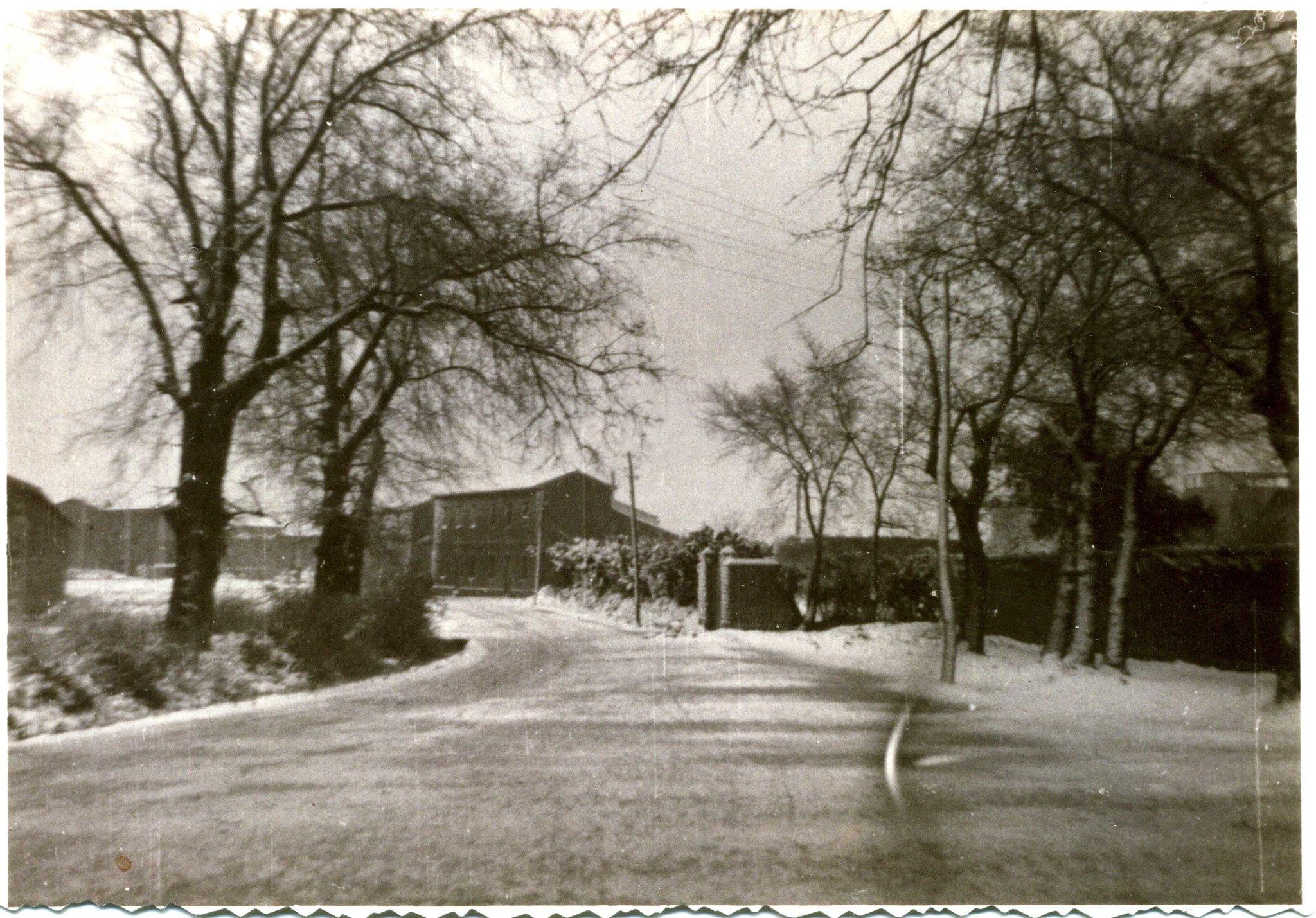 1956, spalle al Convento