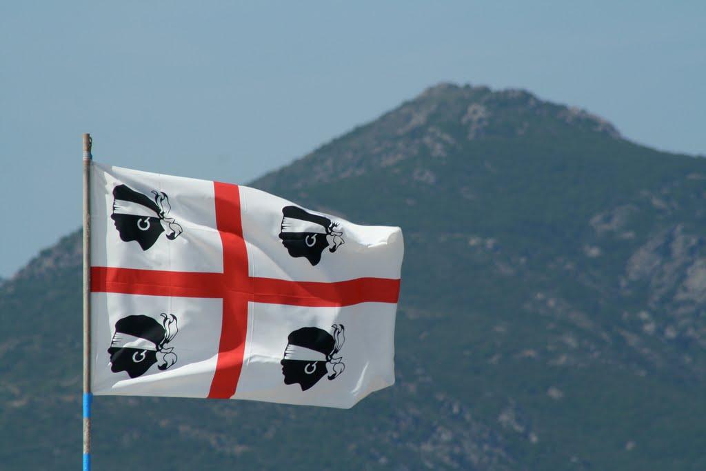 Pinuccio Sciola e la bandiera dei Quattro Mori