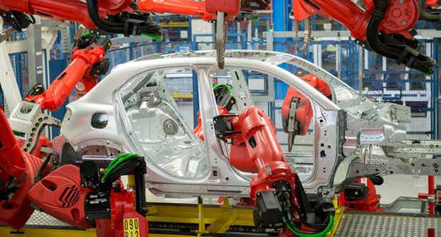 +10,78% di immatricolazioni: volata del settore auto