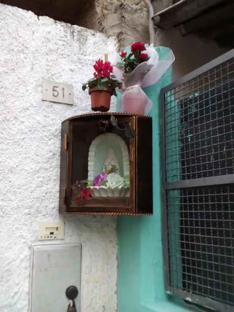 Madonnina in vico Parrocchia