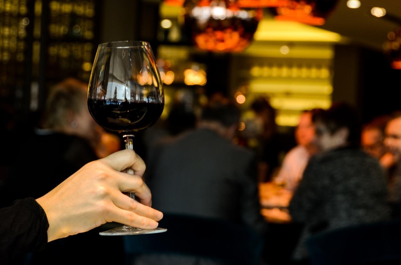 Avviare una enoteca o un wine bar: le strategie per avere successo