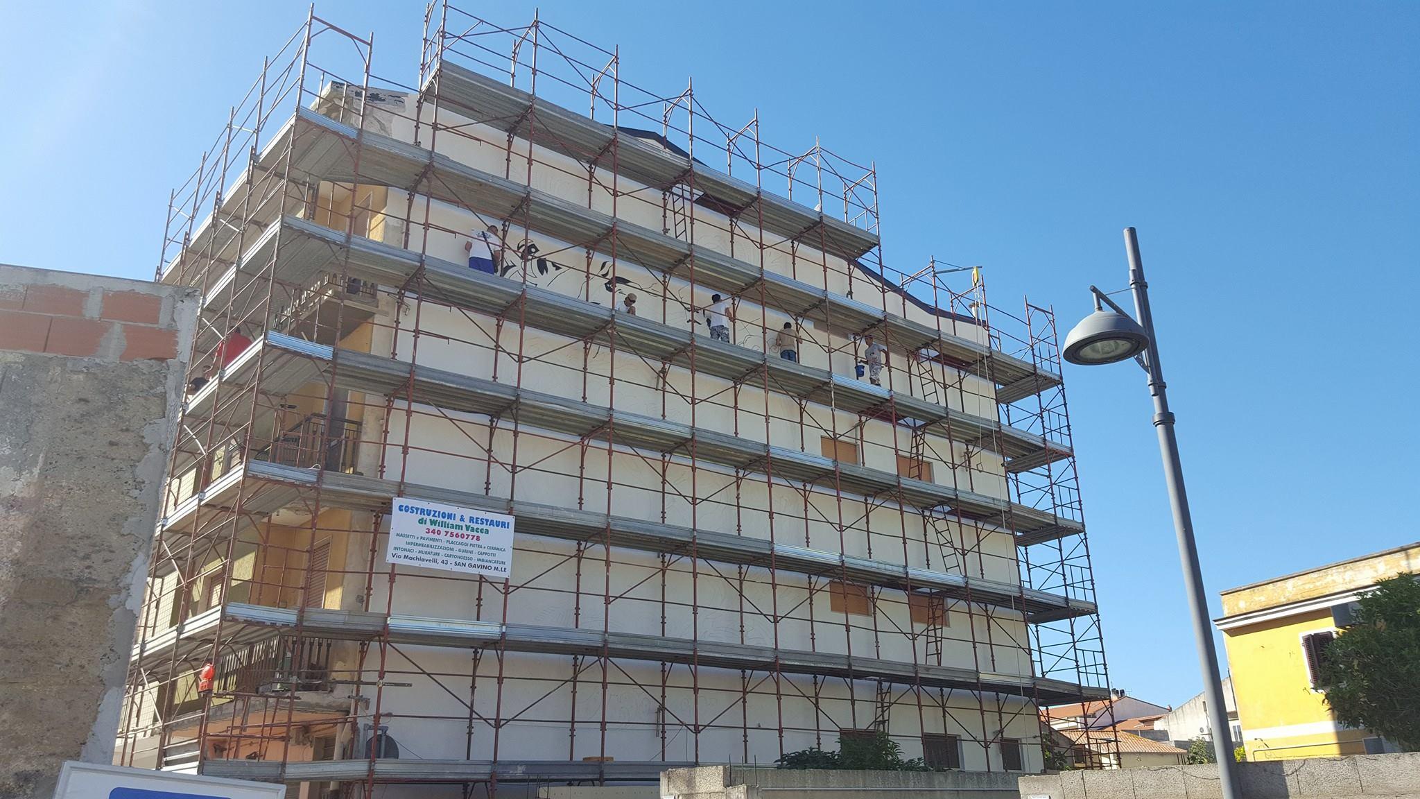 Primi scatti del nuovo murale in via Santa Croce