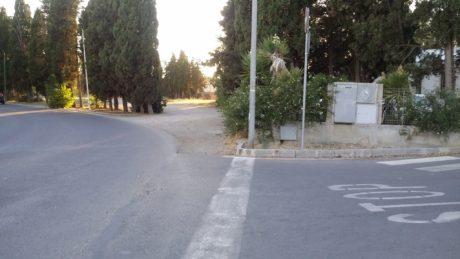 Una curva pericolosa in via Dante