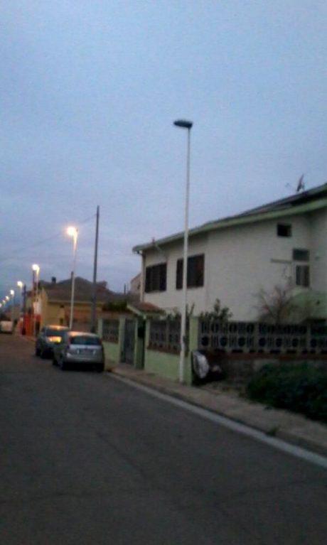 Via Einaudi al buio (con foto ricordo)
