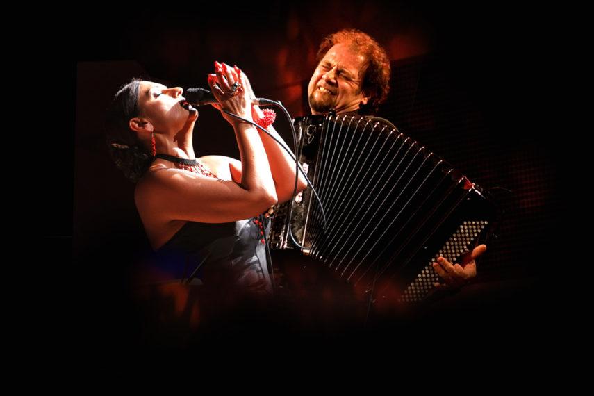 """Franca Masu porta il suo nuovo progetto musicale """"Azulejos"""" a San Gavino Monreale Ph. Andrea Mariniello"""