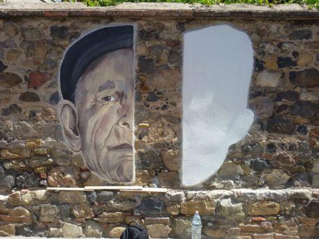 Murale di Jana's in via Trento, le prime foto