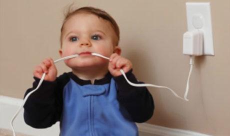 Come proteggere il tuo bambino dagli incidenti domestici