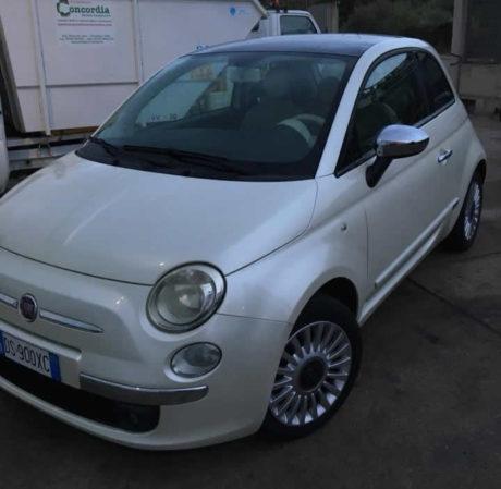 Fiat 500 rubata in viale Rinascita, un appello per ritrovarla