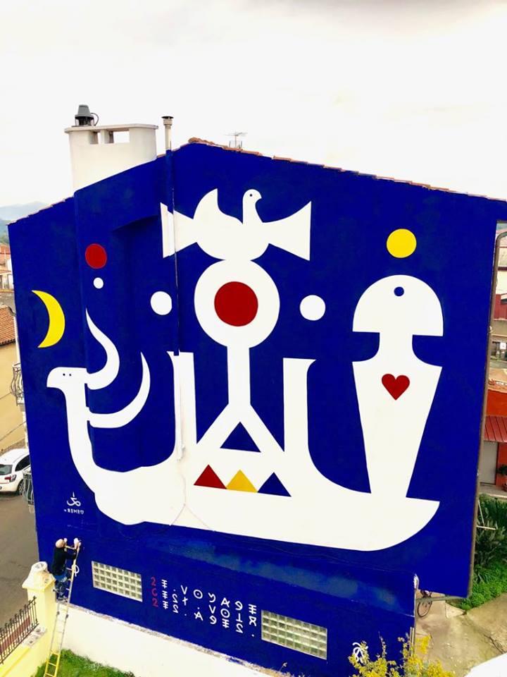 """""""Il viaggio è vedere le età"""", spettacolare murale in viale Trieste"""