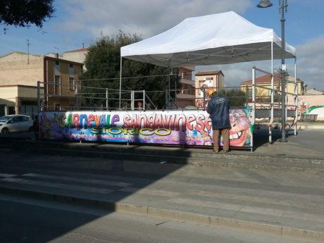 Il palco in piazza della Resistenza