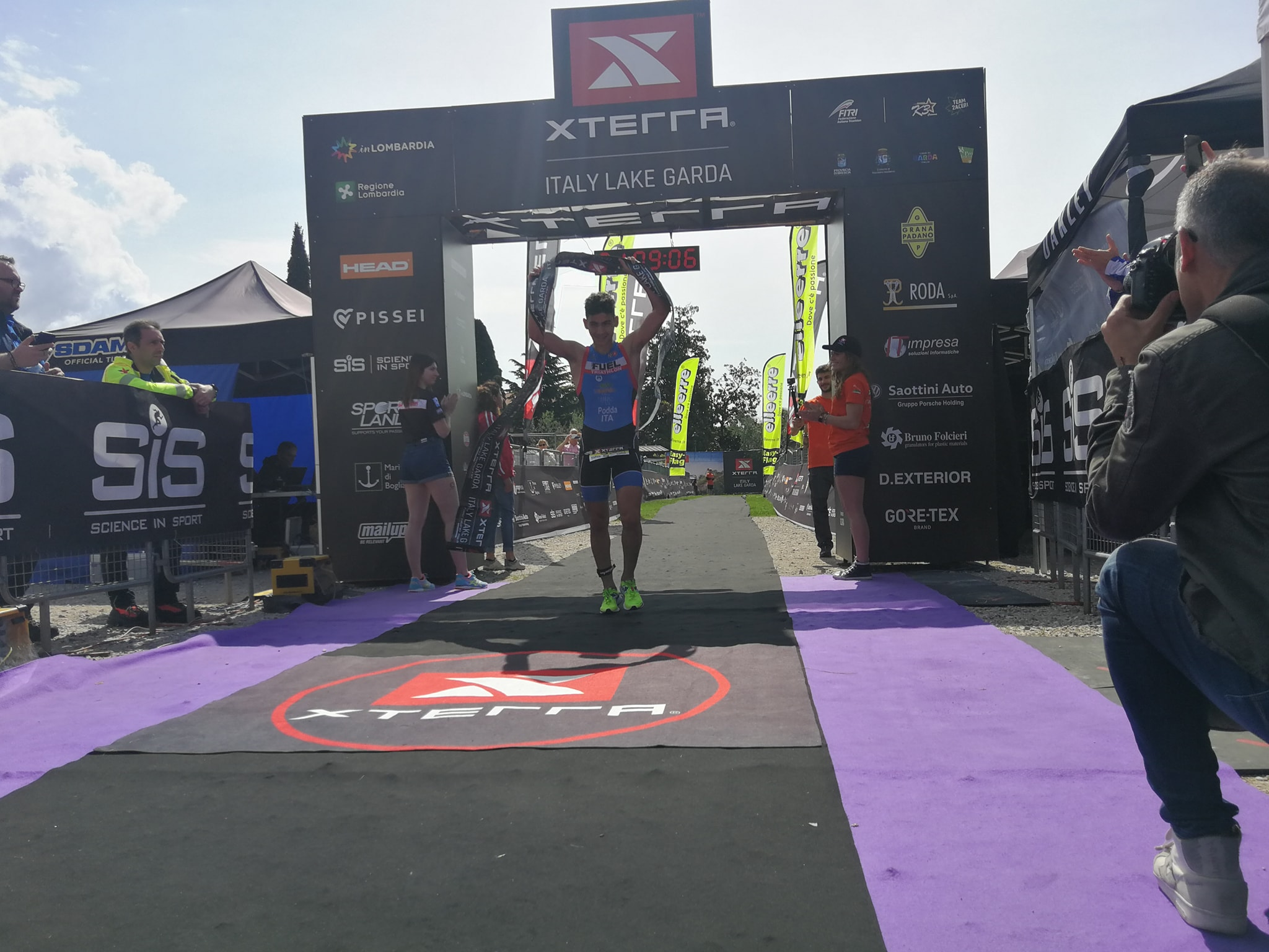 Francesco Podda vince l'XTERRA Italy Lake Garda Triathlon Sprint