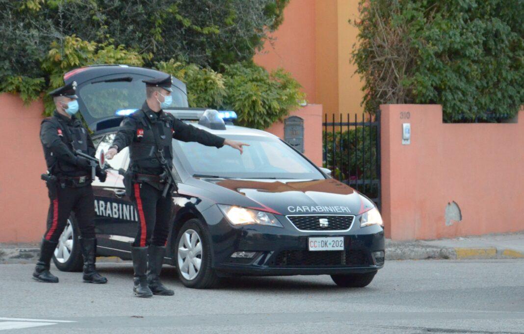 Serrenti, 26enne in stato di ebbrezza tampona l'auto di una donna di San Gavino: denunciato