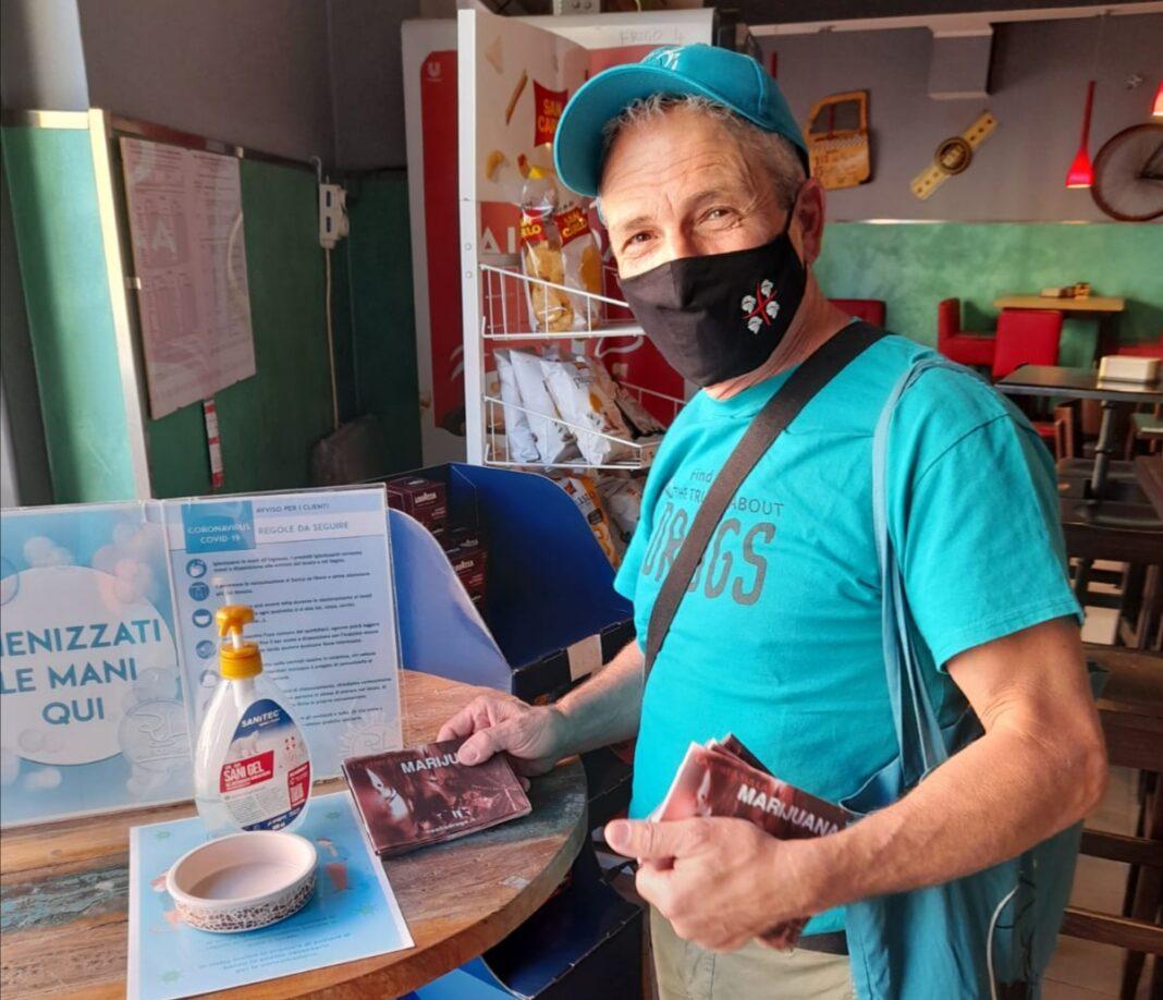 I volontari di Fondazione per un Mondo Libero dalla Droga a San Gavino