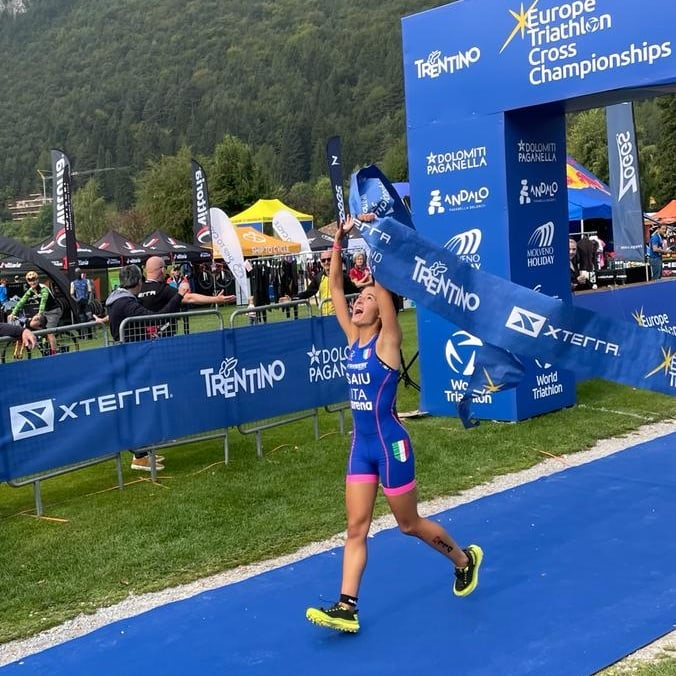 Giulia Saiu, della Villacidro Triathlon, è campionessa agli europei di Triathlon Cross